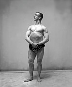 Only Mid Adult Men Prints - Bodybuilder Print by Reinhold Thiele