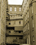 Mills Photo Originals - Boott Courtyard by Jan Faul