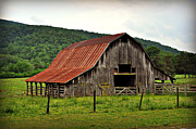 Boxley Barn Print by Marty Koch