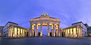 Goddess Of Death Framed Prints - Brandenburger Tor Berlin Framed Print by Greta Schmidt