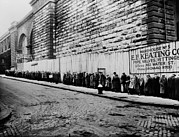 Hunger Posters - Bread Line Beside The Brooklyn Bridge Poster by Everett