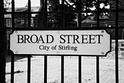 Broad Street - Philadelphia Framed Prints - Broad Street In The Historic Old Town Of Stirling Scotland Uk Framed Print by Joe Fox