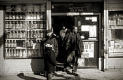 Black Man Photo Prints - Bronx scene Print by RicardMN Photography