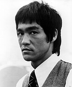Bruce Lee Photos - Bruce Lee, Portrait by Everett
