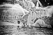 Fountains Photos - Buckingham Fountain Chicago by Paul Velgos