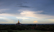Bagan Photos - Buddhas sky by RicardMN Photography