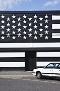 Building With An American Flag Paint Job Print by Paul Edmondson