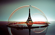 Eifel-tower Framed Prints - Bulle Framed Print by Ivan Vukelic
