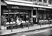 Outdoor Cafe Photo Prints - Cafe les Editeurs Print by John Rizzuto