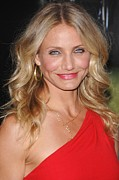 Gold Necklace Framed Prints - Cameron Diaz At Arrivals For The Green Framed Print by Everett