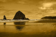 Sandy Beaches Framed Prints - Cannon Beach Oregon Framed Print by David Patterson