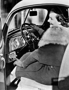 car radio  c1940  artist