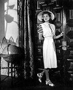 Ingrid Framed Prints - Casablanca, Ingrid Bergman Wearing Framed Print by Everett
