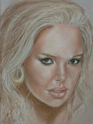Famous Pastels Originals - Catherine Heigl by Sandra Valentini