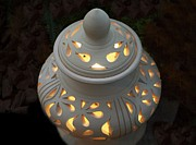 Breakable Art - Ceramic Lantern by Yali Shi