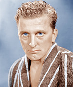 Bathrobe Photos - Champion, Kirk Douglas, 1949 by Everett