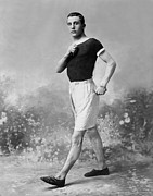 Only Mid Adult Men Prints - Champion Walker Print by Reinhold Thiele