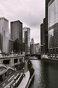 Trump Tower Prints - Chicago Riverview Print by Peter Chilelli