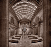 Hall Photo Framed Prints - Chicagos Union Station BW Framed Print by Steve Gadomski
