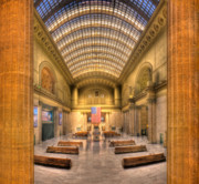 Hall Photo Framed Prints - Chicagos Union Station Framed Print by Steve Gadomski