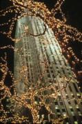 Christmas In Manhattan Print by Barbara Porto