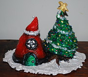 Christmas Sculptures - Chritmas Centerpiece by Alison  Galvan