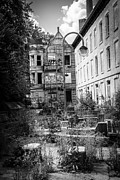 Dilapidated Houses Prints - Cincinnati Glencoe-Auburn Hotel Print by Paul Velgos