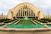 Fountain Framed Prints - Cincinnati Museum Center Picture Framed Print by Paul Velgos