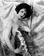 Gold Lame Photo Prints - Clara Bow, 1926 Print by Everett