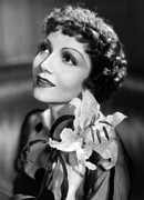 Thin Eyebrows Posters - Claudette Colbert, Paramount Pictures Poster by Everett