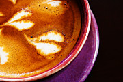 Blend Photos - Close-up shot of barista coffee cup. by Chaloemphan Prasomphet
