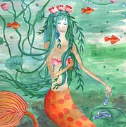 Sue Burgess Paintings - Closeup of Lily Pond Mermaid with Goldfish Snack by Sushila Burgess
