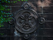 Park Scene Digital Art - Compass Wall by Rob Hans