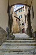 Hilltown Photos - Cortona vicolo by Al Hurley