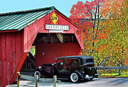 Taftsville Metal Prints - Covered Bridge Taftsvillee Vermont Metal Print by Armando Picciotto