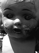 Debi Ling - Cracked doll