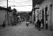 Old Street Metal Prints - Cuba Metal Print by Ralf Kaiser