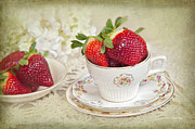 Davis Cup Framed Prints - Cup Of Strawberries Framed Print by Cheryl Davis
