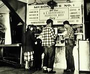 Customers At The Mcdonalds Hamburger Print by Everett