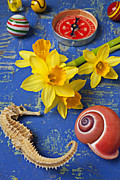 Daffodils Art - Daffodils and Seahorse by Garry Gay