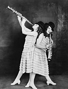 British Portraits Photo Prints - Daisy And Violet Hilton 1908-1969 Print by Everett