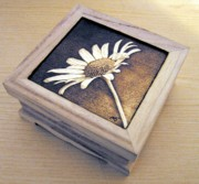 Box Pyrography - Daisy  by Ilaria Andreucci