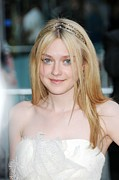Fashion Designers Prints - Dakota Fanning At Arrivals For The 2010 Print by Everett