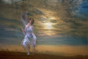 Digitale Photografie Prints - Dance With Me Print by Renata Vogl