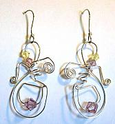 Fun Jewelry - Dancing Earring by Lynette Fast
