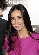 Hair Parted In The Middle Framed Prints - Demi Moore At Arrivals For The Joneses Framed Print by Everett