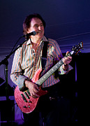 Perform Art - Denny Laine by Kenneth Albin