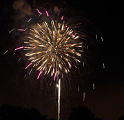 Pyrotechnics Prints - Detroit Area Fireworks -8 Print by Paul Cannon