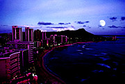Super Volcano Prints - Diamond Head Moonrise Print by Thomas R Fletcher