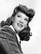 Portraits Posters - Dinah Shore, Portrait Ca. 1943 Poster by Everett
